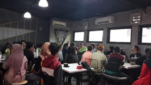 Suasana pertemuan perdana gerakan sosial Retorika Sampah, di kedai kopi 'Kopi Pai', Jl Juanda 8, Rawalaut, Enggal Bandarlampung, Sabtu petang (15/2/2020). | @retorikasampah