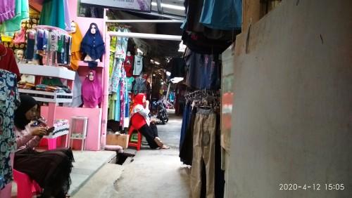 Tampak Suasana Lorong Pasar Induk Pringsewu sepi Pengunjung