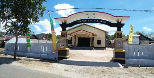Padepokan Persaudaraan Setia Hati Terate (PSHT) cabang Lampung Barat (Lambar), Pusat Madiun. (Foto: Eko/Red)