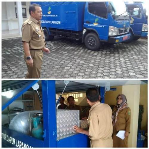 Pemkab Tanggamus mendapat bantuan satu unit mobil dapur umum dan satu unit motor roda tiga untuk keperluan dapur umum dari Kementerian Sosial (Kemensos) RI. Foto: Agus