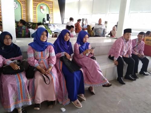 Rombongan kafilah Pringsewu melakukan registrasi sekaligus technical meeting di GOR Zainal Abidin Pagaralam, Kagungan Ratu, Panaragan Jaya, Sabtu (27/4/19) pagi. (Foto: Istimewa)