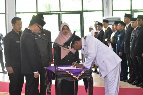 Pelantikan Pejabat Adminitrator, Pengawas dan Fungsional dilingkungan Pemerintah Kabupaten Way Kanan, Kamis (16/5/19).